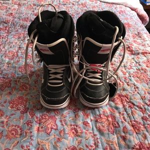 1ffaad4614f3ad Vans snowboard boot 7.5 womens